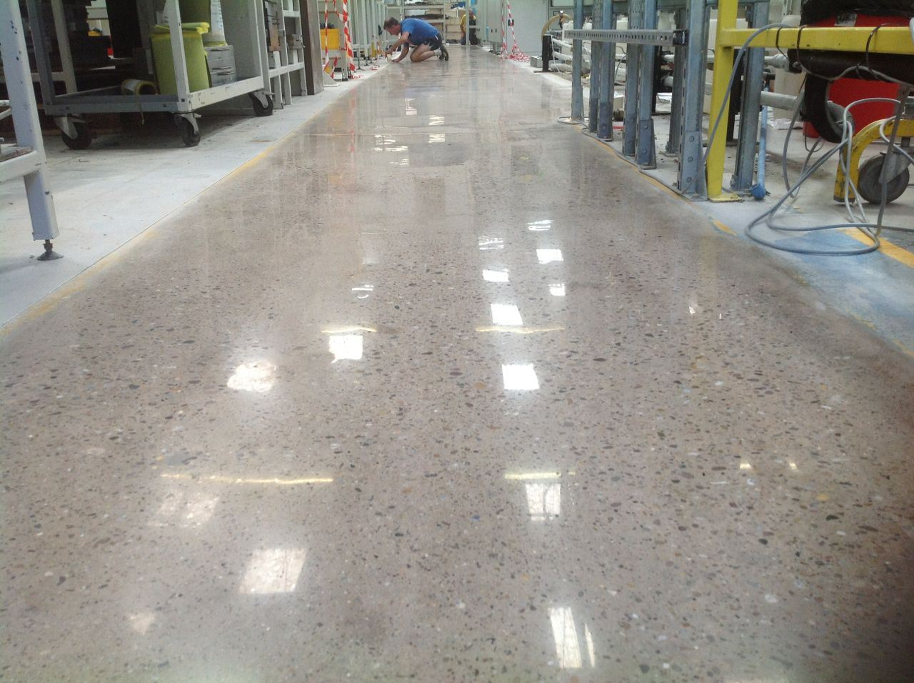 Polished concrete 360 solutions premier concrete surfaces for Premier garage derby